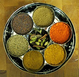 256px-Indianspicesherbs